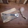 Kép 1/4 - Rózsafa tálaló ,vágódeszka 1db sajtkéssel